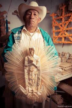 """All things Mexico.Miguel Ramirez Perez, (Ichupio, Tzintzuntzan, Michoacan, MX), and his fantastic world made of straw and """"chuspata"""" (a variety of bulrush). All material used is obtained on Lake Patzcuaro's lakeshore."""
