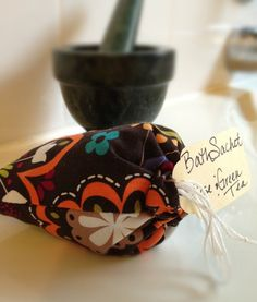 Rose and Green Tea Bath Sachet. Soothes nerves and fights signs of aging. $4 Etsy