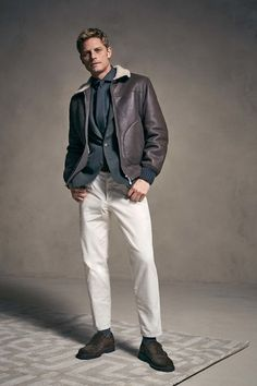 The complete Brunello Cucinelli Fall 2018 Menswear fashion show now on Vogue Runway.