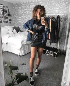 Suivez ALTGirl Alternative Style Grunge Style Gothic Style Grunge Girl Grunge O . Suivez ALTGirl Alternative Style Grunge Style Gothic Style Grunge Girl Grunge O … – Hipster Fashion Style, Hipster Outfits, Edgy Outfits, Mode Outfits, Grunge Fashion, Gothic Fashion, 90s Fashion, Girl Fashion, Girl Outfits