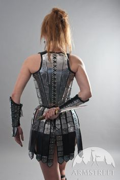 Fantasy functional armor war skirt (lower body protection) for women, made of leather and etched steel. Functional and cool armor piece for your cosplay, LARP, fantasy garb or armor kit
