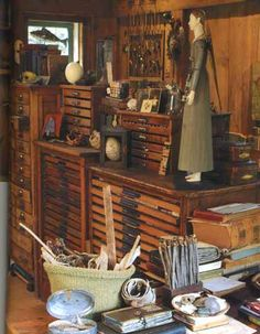 Art Making & Studio Spaces -- Ohhhhhhhh the flat files. My Art Studio, Dream Studio, Artist Workspace, Flat Files, Atelier D Art, Studio Organization, Art Storage, Sewing Studio, Space Crafts
