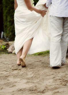 Bare feet bride and groom Barefoot, Real Weddings, Groom, Photographs, Bride, Image, Bridal, Grooms, Photos
