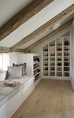 Some of my favourite décor motifs. Oak beams, bleached floors, monochromatic… Wood beams unfinished for the family room