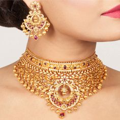 Buy the best Necklace Set Indian Jewelry online from the top Necklace Set manufacturer. Shop Uns Antique Necklace Set online from the top brand for the best traditional and classy looks. Bridal Necklace, Necklace Set, Gold Necklace, Jewelry Accessories, Jewelry Design, Wedding Accessories, Statement Jewelry, Gold Jewelry, Choker Jewelry