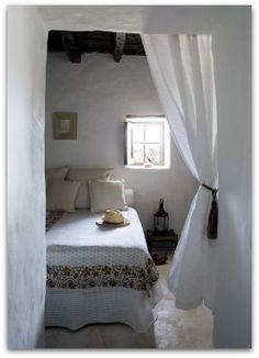 Home Shabby Home: Jordi Canosa - Ingrid House Home Design, Design Room, Design Ideas, Home Bedroom, Bedroom Decor, Bedroom Rustic, Bedroom Ideas, Airy Bedroom, Peaceful Bedroom