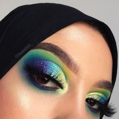 Find out about eye makeup trends Eyeshadow Tips, Green Eyeshadow, Eyeshadow Looks, Eyeshadow Makeup, Eyeshadow Palette, Crazy Eyeshadow, Copper Eyeshadow, Makeup Trends, Makeup Inspo