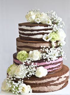 In the wedding decoration, the decision-making is particularly difficult.The pool of ideas is infinitely large. Wedding Cake Images, Wedding Cake Rustic, White Wedding Cakes, Rustic Cake, Wedding Ideas, Big Cakes, Sweet Cakes, Edible Flowers Cake, Naked Cakes