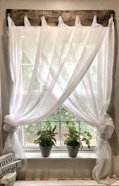 Struggling with window treatments? I needed a simple farmhouse window treatment for my bathroom. Check out how I came up with this inexpensive solution. Diy Furniture Videos, Diy Furniture Table, Diy Furniture Plans, Couch Furniture, Wooden Furniture, Furniture Design, Outdoor Furniture, Farmhouse Windows, Farmhouse Homes