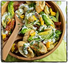 American-style bacon and avocado salad