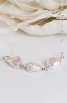 French Snow – White Baroque Pearls Necklace