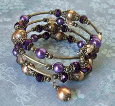 Beaded Memory wire Bracelet by Nita Kilpatrick - White Raven Designs ♥