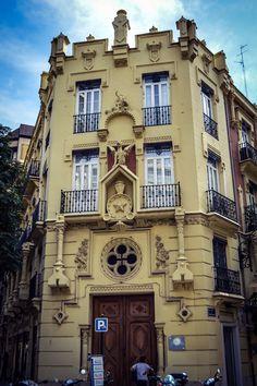 Casa de los Dragones (Valencia - Spain)