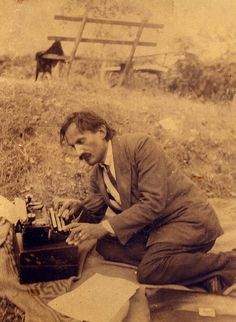 Babits Mihály Kártyavár című regényét írja  (Dömös, 1923. július-augusztus) Teaching Literature, Writers And Poets, Crop Circles, Hungary, Famous People, Poems, Museum, Album, History