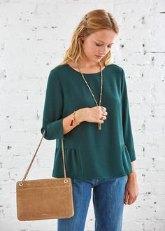 http://www.sezane.com/fr/product/collection-automne-hiver/blouse-alexis?cou_Id=1519
