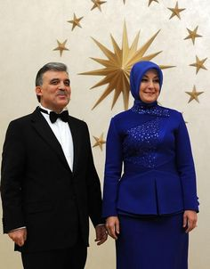 President of Turkey with his spouse. Fashion Details, Elegant Dresses, Peplum Dress, Presidents, Dressing, Formal, Lady, Turkey, Queen