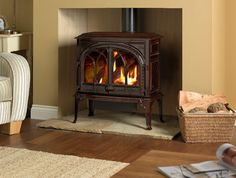 Jotul GF 400 CF gas stove in room setting