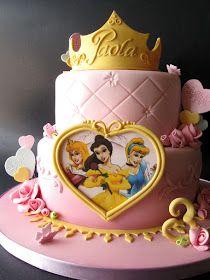 Per chi ama le torte romantiche e da favola; per chi, come me, adora stupire senza troppi fronzolicurando piccoli particolari; per ...