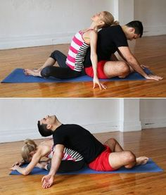 A Couples Yoga Routine Your Guy Will Actually Love Partner Bound Angle - Hatha Yoga Poses for Couples - Shape Magazine Hatha Yoga Poses, Yoga Bewegungen, Yoga Pilates, Yoga Sequences, Seated Yoga Poses, Partner Stretches, Partner Yoga Poses, Couples Yoga Poses, Yoga Fitness
