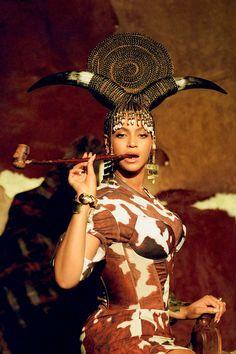 Beyonce Knowles Carter, Beyonce And Jay Z, Blue Ivy, Teyana Taylor, Burberry, Mary Katrantzou, Cardi B, Miley Cyrus, Beyonce Style