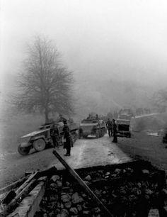 SdKfz 250 neu light armoured halftracks Balkans 1943