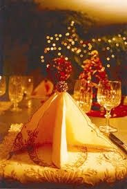 2013 Christmas Tree Napkin Folding,  Floral Christmas table decor in 2013, 2013 Christmas Tree Napkin Folding for dining room decor
