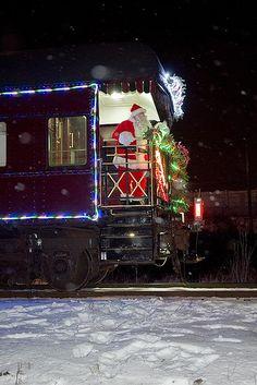 CANADA | Santa on the Platform ... Canadian Pacific Holiday Train