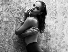 H νοτιοαφρικανή Nicole Meyer από το Cape Town, χαρακτηρίζεται ωςπολύ hot μοντέλο και η φωτογράφησή της για το GQ το επιβεβαιώνει.