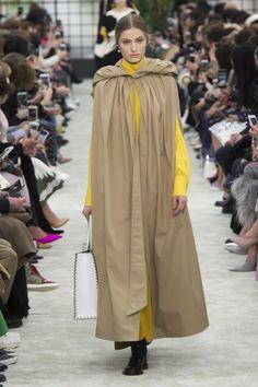 Valentino Autumn/Winter 2018 Ready To Wear | British Vogue