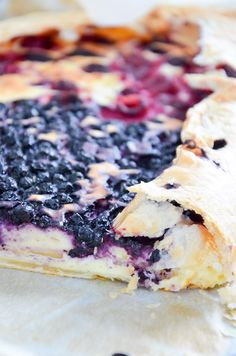 Blueberry/Raspbeery Cheesecake Strudel // Heidedelbeer-/Himbeerstrudel  // schnell gemacht wenn Gäste kommen und unwiderstehlich gut!!! // Baking Barbarine