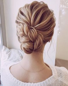 nice 43 Classic Wedding Updos Ideas For Your Special Day  http://www.lovellywedding.com/2018/03/21/43-classic-wedding-updos-ideas-special-day/