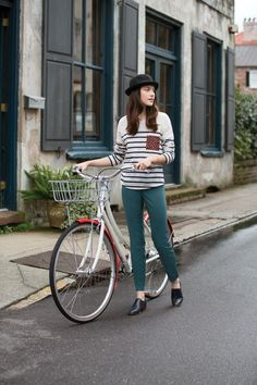 What to Wear in Paris – 10 French Fashion Style Tips: Glam Radar waysify Estilo Navy, Teal Pants, Green Pants, Mode Chic, Cycle Chic, French Chic, Bike Style, Parisian Style, French Fashion