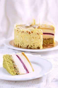 Good Food, Yummy Food, Mousse Cake, Dessert Table, Cake Designs, Vanilla Cake, Healthy Snacks, Cake Recipes, Breakfast Recipes