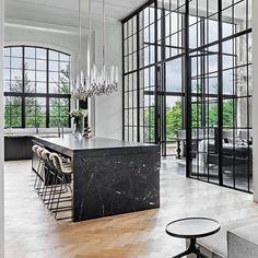 Chic Modern Home Decor Architecture Details, Interior Architecture, Interior And Exterior, Luxury Interior, Küchen Design, House Design, Modern Design, Design Ideas, Casa Stark