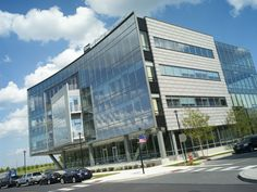 3 Crescent Drive - Philadelphia Navy Yard, LEED Gold... Amazing curved glass facade