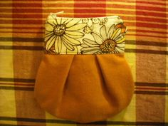 TUTORIAL! Make a lined pleated pouch! (image heavy) - PURSES, BAGS, WALLETS