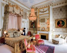 Imperial Suite - Ritz Paris... WOW! This looks like Marie Antionette's bedroom in Versaille!