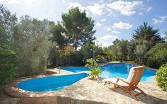 Finca Amorosa | Finca Amorosa ist Ihre Traumfinca für insgesamt 6 Personen mit schöner Ausstattung und einem einzigartigen Garten und einem sehr grossen Pool, der über ein separates Kinderbecken verfügt.