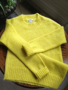 #Yellow #Knitted #Sweater #blogger #style #fashion #outfit #heels