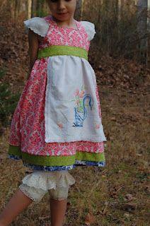 Pinafore dress http://pinaforesandpinwheels.blogspot.com/2012/02/project-run-and-play-week-6.html