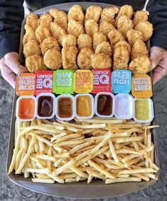 Whats your favorite sauce Spicy Buffalo Tangy BBQ Sweet n sour Hot Mustard Ranch Honey Mustard? Cute Food, I Love Food, Good Food, Yummy Food, Comida Disneyland, Sleepover Food, Junk Food Snacks, Food Platters, Food Goals