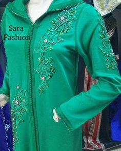105.3k Followers, 5,132 Following, 2,898 Posts - See Instagram photos and videos from caftan marocaine (@caftan_maro) Punjabi Fashion, Moroccan Wedding, Mode Hijab, Indian Designer Wear, The Prestige, Tunic Tops, Modern, Abayas, Couture