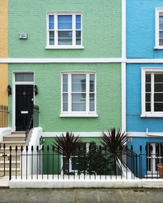 Morning I have this thing for pastel houses . #prettycitylondon  #housesofldn  #lovelondon by steffi_daydreamer