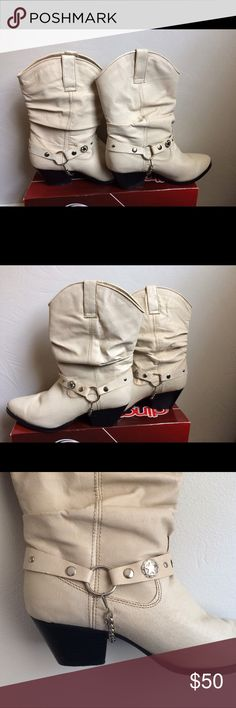 Dingo slouch boots Ladies tan pig slouch w/harn boots. 10W Shoes Heeled Boots