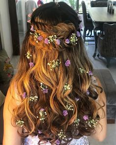Mehndi Hairstyles, Quince Hairstyles, Indian Wedding Hairstyles, Bride Hairstyles, Cute Hairstyles, Soft Wedding Hair, Long Bridal Hair, Bridal Hair Buns, Indian Bridal Hair
