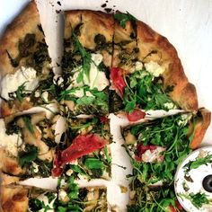 Spicy White Pizza with Arugula and Goat Cheese on Garlic Fingers Blog!