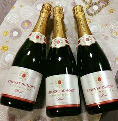 Vyberte si u nás obľúbené Champagne Etienne Dumont a oslávte koniec roka vo veľkom . . . . . . . . . . . . . . . . . . . . . . . . . . . . . . . . . . . . . . . .www.inmedio.sk . . . . . . . . . .  #champagne #sampanske #etiennedumont #inmedio #obchodsvinom #vinoteka #bratislava #silvester #silvester2019 #oslava #wineshop #vinotekavbratislave #vovelkom #francuzskevino #epernay #france #vindefrance #vinopredaj #in_medio