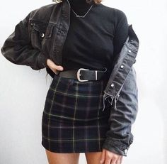 Foto www qunel com/ Mode Straße Stil Schönheit Make-up Haare Männer Stil Womenswe Grunge Style Outfits, Mode Outfits, Retro Outfits, Trendy Outfits, Vintage Outfits, Fashion Outfits, Summer Outfits, Fashion Styles, Skirt Fashion