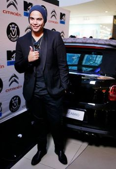 Look who came through to the VJ Search auditions? It's Jimmy Nevis! Mtv, African, Base, Search, Fictional Characters, Style, Research, Searching, Fantasy Characters