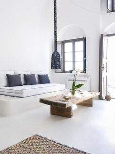 pinned by barefootstyling.com THE TRAVEL FILES: SOPHIA CALDERY SUITES ON SANTORINI | THE STYLE FILES